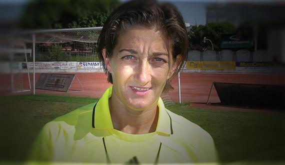 ENTREVISTA A PALOMA QUINTERO SILES, COORDINADORA DE ARBITRAJE FEMENINO Fexfútbol entrevista a la nueva responsable del arbitraje femenino nombrada por el ... - 00100_0001003874_2_portada-paloma